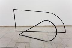 Gary Schlingheider: 30mm, 2017 , Stahl, ca. 190 x 350 cm